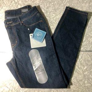 NWT A3 Denim Jeans Classic Skinny Size 12